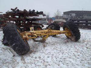 Shantz Farm | Salvage Combine & Tractor Parts, Refurbished