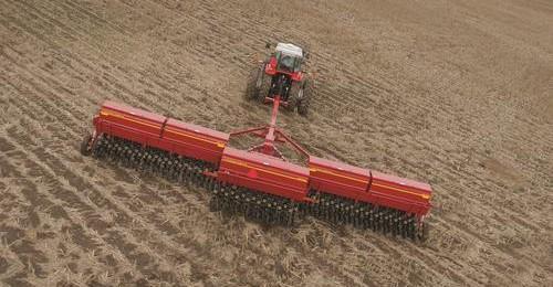 smSF-9435-grain-drill-02-e1383075686797 Image 1